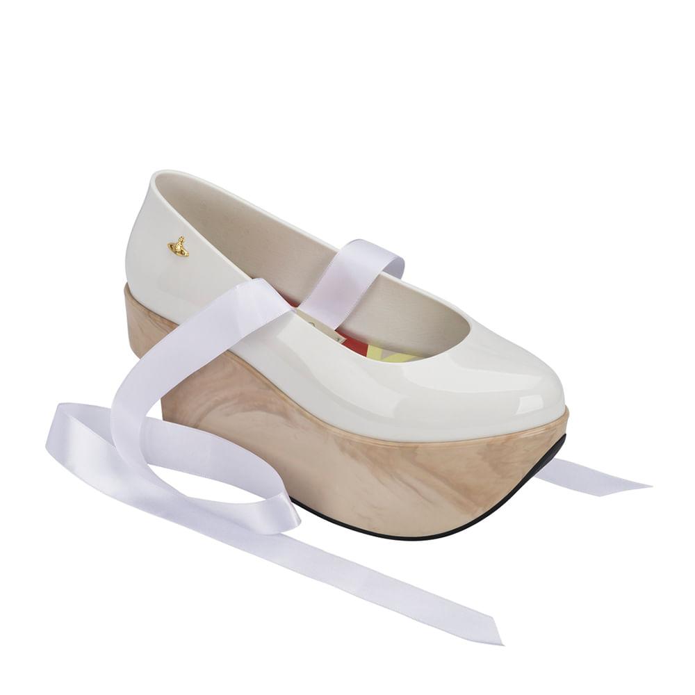 Vivienne Westwood + Melissa Rocking Horse Ballerina - Branco / Bege - 36
