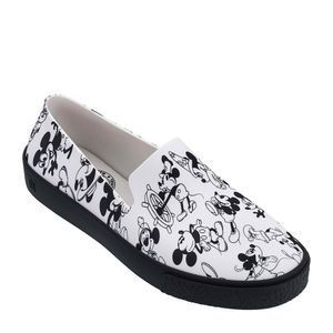 32533-Melissa-Ground-Mickey-BrancoPreto-Variacao3