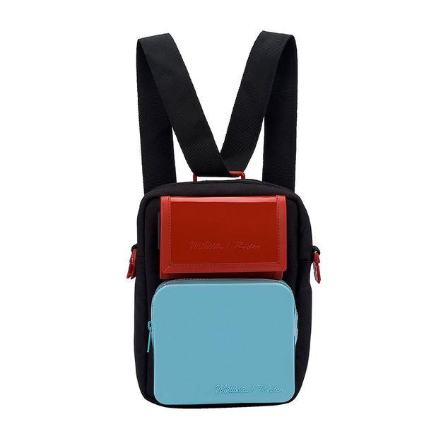 34219-Melissa-Max-Bag-Rider-Pretoazulvermelho-Variacao1