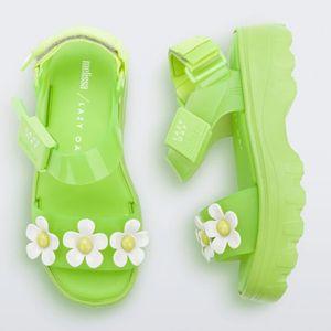 33246-Melissa-Kick-Off-Sandal-Lazy-Preto-Verde-Branco-Amarelo-variacao5